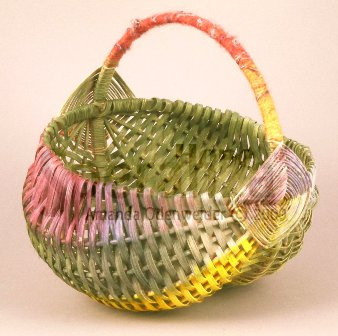 aodenwelder-rainbow-egg-basket-2004