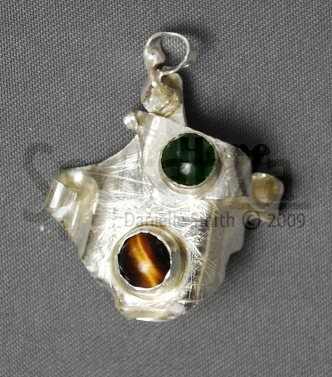 daniellesmith-pendant-with-gems-2009